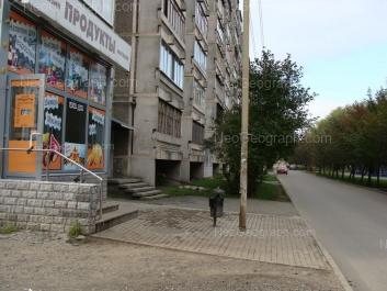 На фото видно: Амундсена улица, 73. Екатеринбург (Свердловская область)