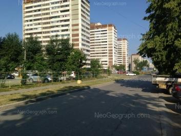 View to: Iliicha street, 28; Krasnikh Bortsov street, 21; Uralskikh Rabochikh street, 23; Uralskikh Rabochikh street, 25. Yekaterinburg (Sverdlovskaya oblast)