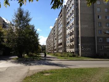 На фото видно: Индустрии улица, 55; Индустрии улица, 57/1; Индустрии улица, 64. Екатеринбург (Свердловская область)