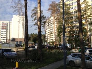 View to: Nachdiva Onufrieva street, 4; Serafimi Deriyabinoy street, 53а; Serafimi Deriyabinoy street, 55/3. Yekaterinburg (Sverdlovskaya oblast)