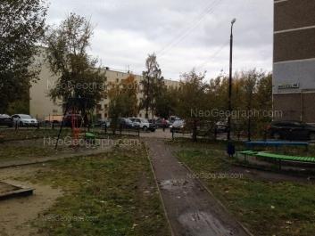 На фото видно: Металлургов улица, 30/1. Екатеринбург (Свердловская область)