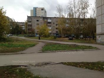 На фото видно: Заводская улица, 43 к4; Заводская улица, 47 к3. Екатеринбург (Свердловская область)