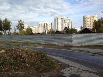На фото видно: Татищева улица, 90; Татищева улица, 96; Татищева улица, 98. Екатеринбург (Свердловская область)