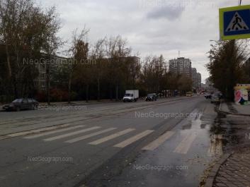На фото видно: Викулова улица, 42; Викулова улица, 44/1. Екатеринбург (Свердловская область)