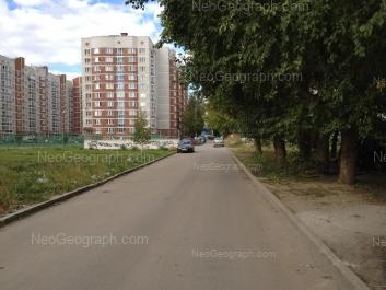 На фото видно: Парниковая улица, 10; Парниковая улица, 12. Екатеринбург (Свердловская область)