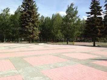 View to: Bulvar Kulturi boulevard, 4. Yekaterinburg (Sverdlovskaya oblast)