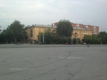View to: Baumana street, 27; Starikh Bolshevikov street, 27; Starikh Bolshevikov street, 29А. Yekaterinburg (Sverdlovskaya oblast)