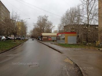 На фото видно: Июльская улица, 19; Июльская улица, 22; Июльская улица, 25. Екатеринбург (Свердловская область)