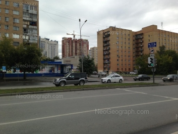 На фото видно: Токарей улица, 27; Токарей улица, 29. Екатеринбург (Свердловская область)