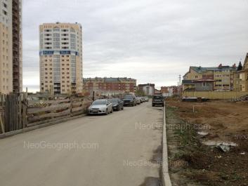 На фото видно: Барвинка улица, 22; Барвинка улица, 26; Кольцевая улица, 45. Екатеринбург (Свердловская область)