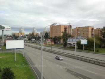 На фото видно: Крауля улица, 13; Токарей улица, 33. Екатеринбург (Свердловская область)