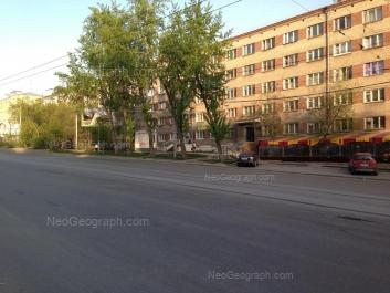 View to: Malisheva street, 130; Malisheva street, 130Б. Yekaterinburg (Sverdlovskaya oblast)