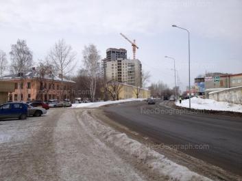 На фото видно: Библиотечная улица, 56; Библиотечная улица, 58; Библиотечная улица, 60; Мира улица, 41а. Екатеринбург (Свердловская область)
