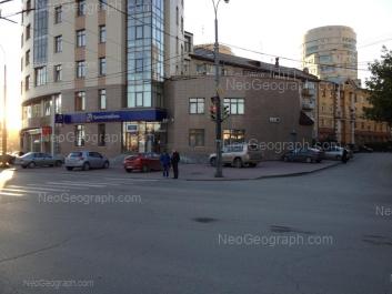 На фото видно: Лермонтова улица, 17; Николая Никонова улица, 4. Екатеринбург (Свердловская область)