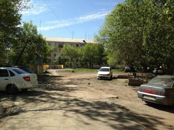 На фото видно: Машиностроителей улица, 32. Екатеринбург (Свердловская область)