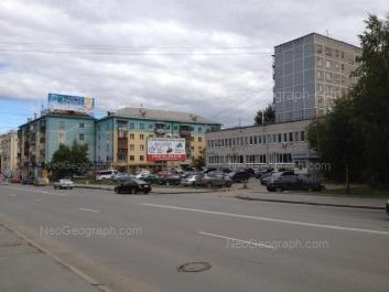 На фото видно: Фурманова улица, 55А; Фурманова улица, 55; Фурманова улица, 57. Екатеринбург (Свердловская область)