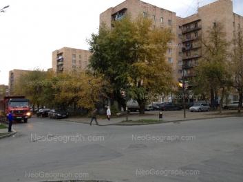 На фото видно: Ключевская улица, 12; Ключевская улица, 14; Ключевская улица, 18. Екатеринбург (Свердловская область)