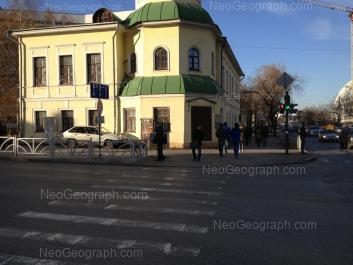 На фото видно: 8 Марта улица, 68. Екатеринбург (Свердловская область)