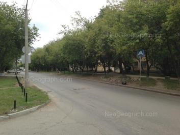 На фото видно: Агрономическая улица, 16; Агрономическая улица, 20. Екатеринбург (Свердловская область)