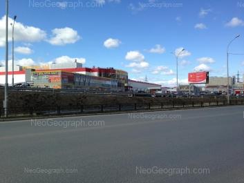 На фото видно: Миномётчиков улица, 1; Миномётчиков улица, 3; Ольховская улица, 2; Ольховская улица, 2/1. Екатеринбург (Свердловская область)