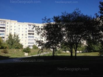 На фото видно: Анны Бычковой улица, 22. Екатеринбург (Свердловская область)