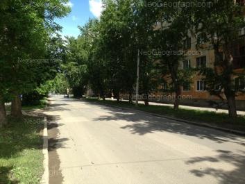 На фото видно: XXII Партсъезда улица, 12; XXII Партсъезда улица, 14. Екатеринбург (Свердловская область)