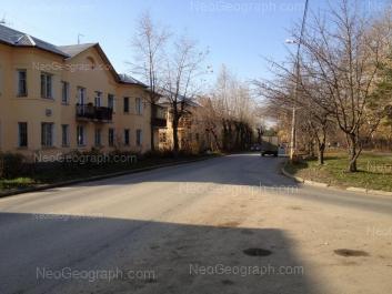 На фото видно: Дагестанская улица, 20; Дагестанская улица, 22. Екатеринбург (Свердловская область)