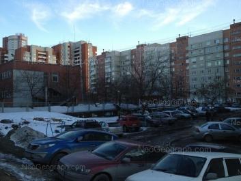 На фото видно: Уральская улица, 65А (Детский сад №563, Улыбка); Уральская улица, 65. Екатеринбург (Свердловская область)