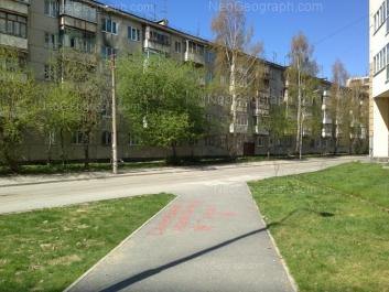 На фото видно: Билимбаевская улица, 29. Екатеринбург (Свердловская область)
