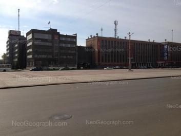 На фото видно: Машиностроителей улица, 19; Машиностроителей улица, 19а. Екатеринбург (Свердловская область)