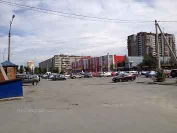 На фото видно: Сиреневый бульвар, 1; Сиреневый бульвар, 2; Сиреневый бульвар, 4/1. Екатеринбург (Свердловская область)