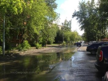 На фото видно: Лукиных улица, 6; Лукиных улица, 8. Екатеринбург (Свердловская область)
