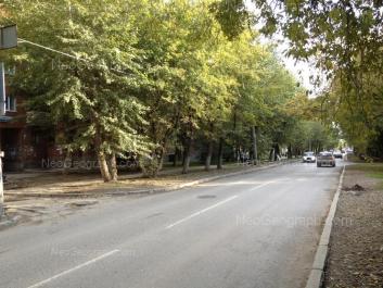 View to: Inzhenernaya street, 28. Yekaterinburg (Sverdlovskaya oblast)