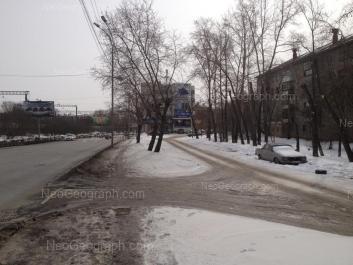 На фото видно: Восточная улица, 40; Восточная улица, 44а; Восточная улица, 46. Екатеринбург (Свердловская область)