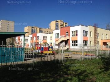 На фото видно: Академика Бардина улица, 48А; Амундсена улица, 54/2; Амундсена улица, 54Б (Детский сад №14). Екатеринбург (Свердловская область)