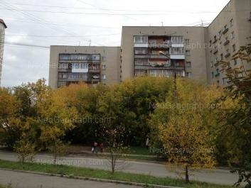 На фото видно: Машинистов улица, 12А; Машинистов улица, 12. Екатеринбург (Свердловская область)