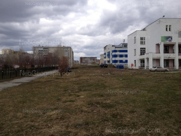 На фото видно: Опалихинская улица, 23; Опалихинская улица, 23А; Опалихинская улица, 27; Черепанова улица, 12. Екатеринбург (Свердловская область)