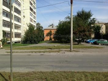 На фото видно: Заводская улица, 19А к5; Красноуральская улица, 21; Красноуральская улица, 22. Екатеринбург (Свердловская область)