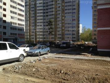На фото видно: Кунарская улица, 14/2; Кунарская улица, 14к1. Екатеринбург (Свердловская область)