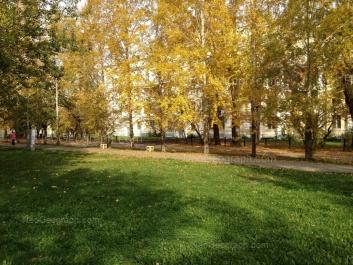 View to: Bulvar Kulturi boulevard, 6. Yekaterinburg (Sverdlovskaya oblast)