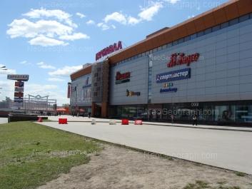 На фото видно: Халтурина улица, 55 (Карнавал, ТРЦ). Екатеринбург (Свердловская область)