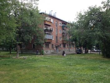 На фото видно: Избирателей улица, 65А. Екатеринбург (Свердловская область)
