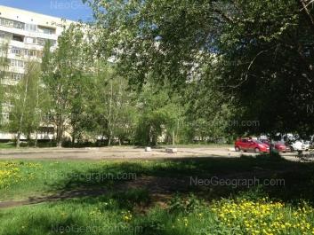 На фото видно: Бисертская улица, 23. Екатеринбург (Свердловская область)