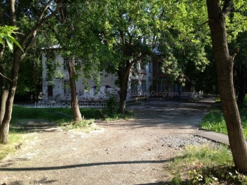 На фото видно: Победы улица, 10Б (Арт-Этюд, художественная школа). Екатеринбург (Свердловская область)