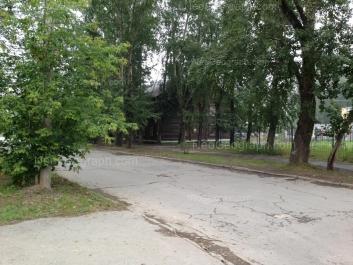 На фото видно: Донская улица, 32. Екатеринбург (Свердловская область)