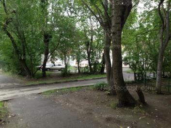 На фото видно: Энтузиастов улица, 42А. Екатеринбург (Свердловская область)