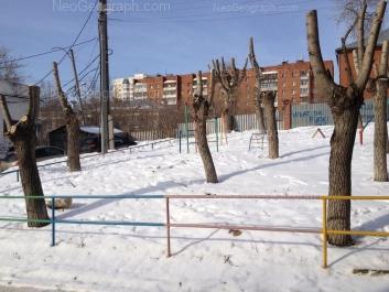 На фото видно: Комсомольская улица, 45/8; Лодыгина улица, 11; Лодыгина улица, 13. Екатеринбург (Свердловская область)