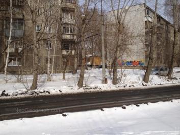 На фото видно: Пионеров улица, 7; Пионеров улица, 9/1; Тобольская улица, 1б/1. Екатеринбург (Свердловская область)