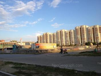 View to: Akademika Shvartsa street, 14; Akademika Shvartsa street, 17 (ТЦ Дирижабль). Yekaterinburg (Sverdlovskaya oblast)