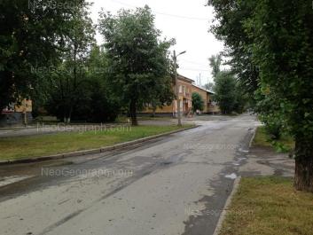На фото видно: Калинина улица, 62; Ломоносова улица, 19. Екатеринбург (Свердловская область)